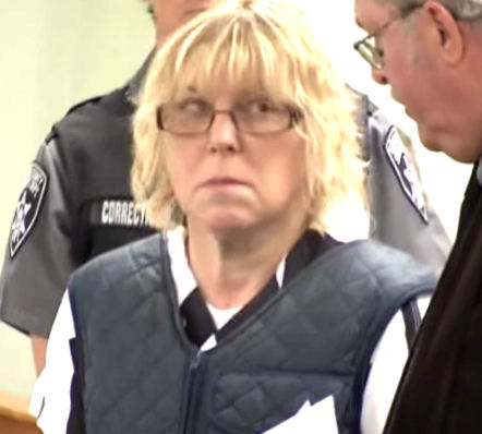 Joyce Mitchell did have sexual relations with those prisoners | True